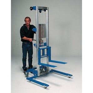 Lightweight material lifts - Straddle base model