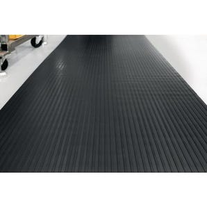 Broad ribbed rubber matting, 6mm thickness