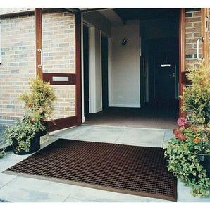 Outdoor entrance matting - medium duty