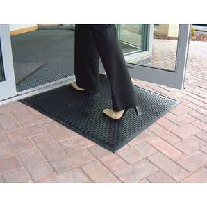 Surface scrape mat