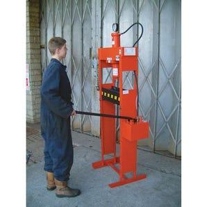 Hydraulic workshop presses
