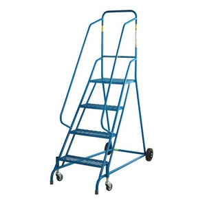 Warehouse steps with retractable wheel