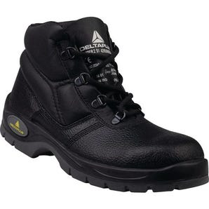 Black safety boots S1 SRC