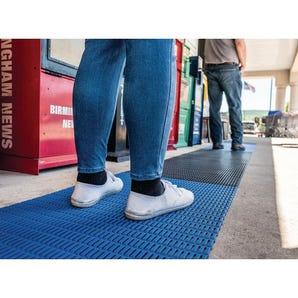 Walkway safety zone PVC matting, 12m length