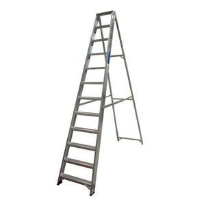EN131-2 Professional Swingback Step